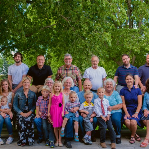 Randy-and-Patty-family-for-40th-anniversary